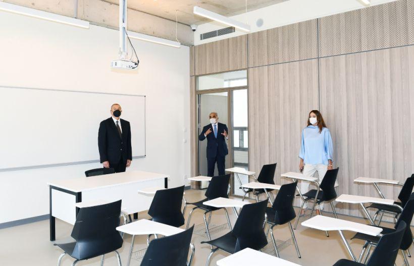 Сдан в эксплуатацию заново отстроенный учебный корпус UNEC номер 3  В мероприятии приняли участие Президент Ильхам Алиев и первая леди Мехрибан Алиева