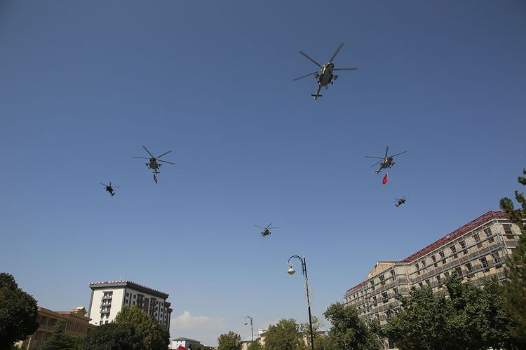 Авиационные средства ВВС Азербайджана и Турции совершили совместные полеты над городом Гянджа -  ВИДЕО