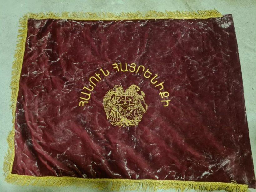 Ermənistan ordusu üçün rəzalət - 193-cü desant həmlə taborunun döyüş bayrağı ələ keçirilib FOTO