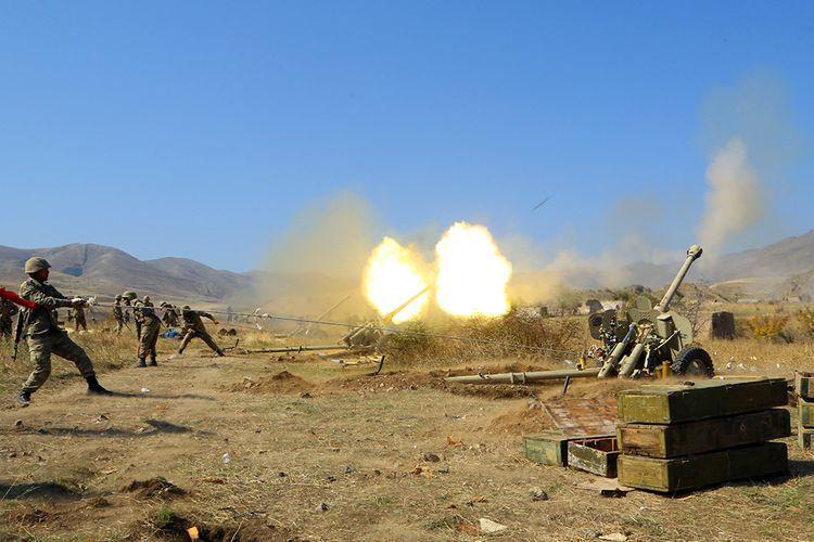 MN: Ermənistan silahlı qüvvələrinin atəş nöqtələrinə artilleriya bölmələrimiz zərbələr endirir (VİDEO)