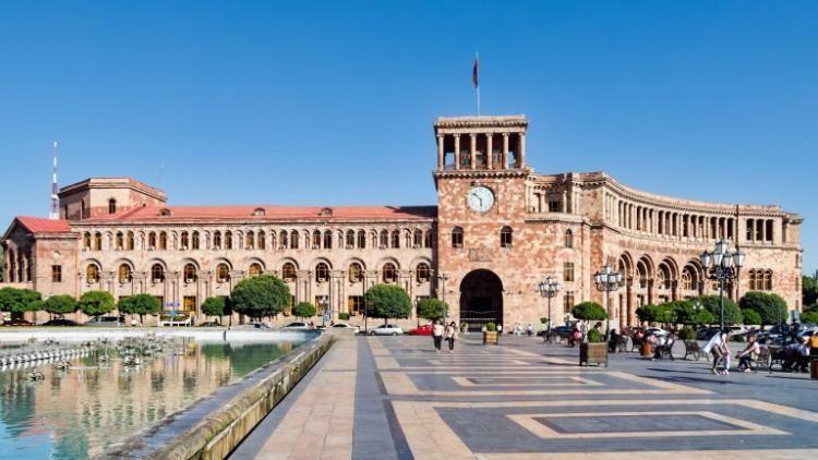 Ermənistanda xaos -  Araik Arutyunyan istefa verdi