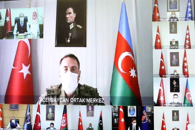 Hulusi Akar Türkiyə-Rusiya Birgə Mərkəzində xidmət edən generala tapşırıqlarını verib