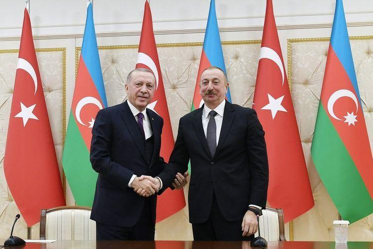 Prezident İlham Əliyev Ərdoğana zəng edib