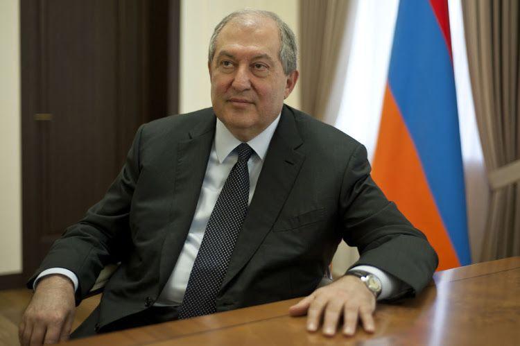 Ermənistan prezidenti yenə Paşinyana qarşı çıxdı -  Baş Qərargah rəisinin işdən çıxarılması təsdiqlənmədi