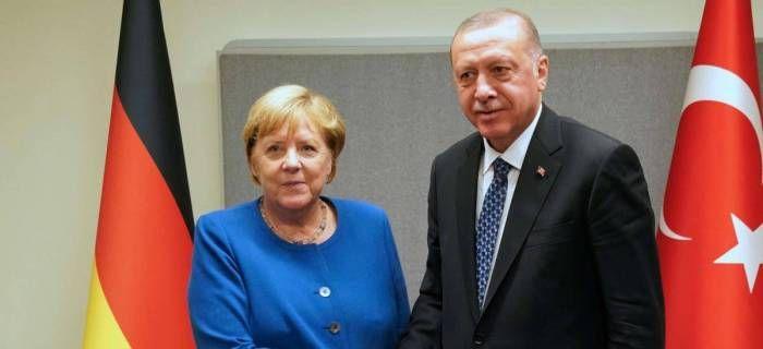 Ərdoğan Merkellə görüşüb
