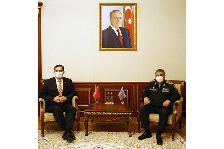 Müdafiə naziri Türkiyə səfiri ilə görüşüb