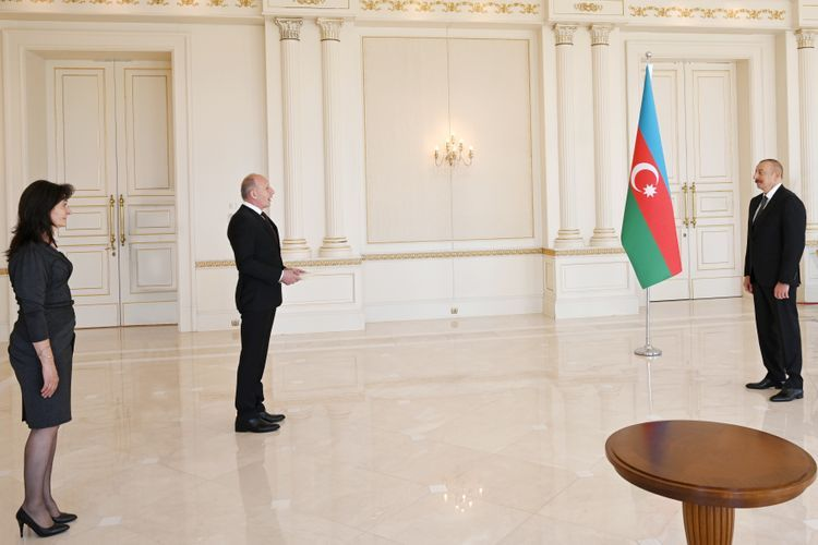 Prezident İlham Əliyev Serbiyanın yeni səfirinin etimadnaməsini qəbul edib