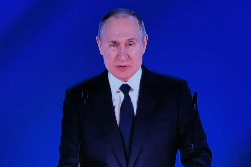 """Putin: """"Rusiya istehsalı COVID-19 peyvəndləri """"Kalaşnikov"""" kimi etibarlıdır"""""""