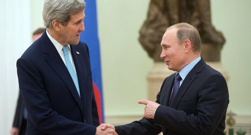 Putin Moskvada səfərdə olan Con Kerri ilə telefonla danışıb