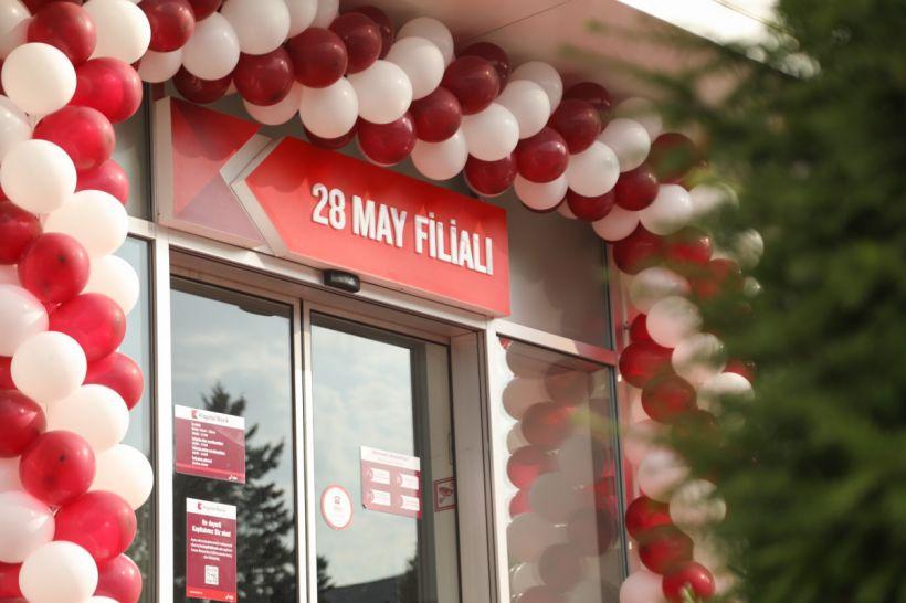 """""""Kapital Bank""""ın yenilənən 28 May filialı istifadəyə verilib"""
