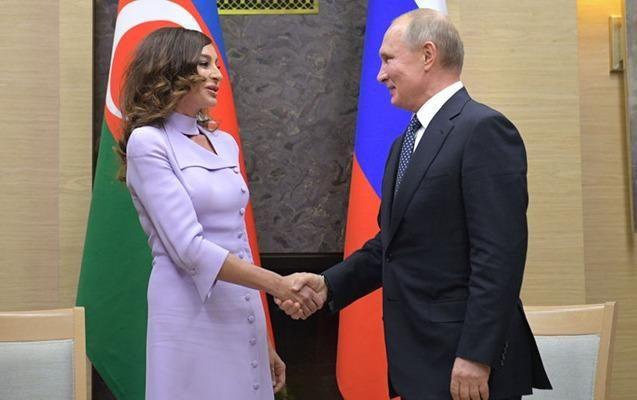 Putin Mehriban Əliyevanı təbrik etdi