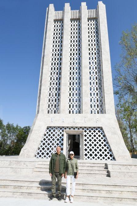 Dahi Azərbaycan şairi Molla Pənah Vaqifin Şuşada büstü açılıb