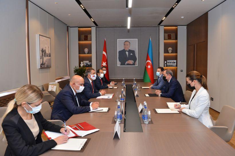 Ceyhun Bayramov Türkiyə XİN başçısının müavinini qəbul edib