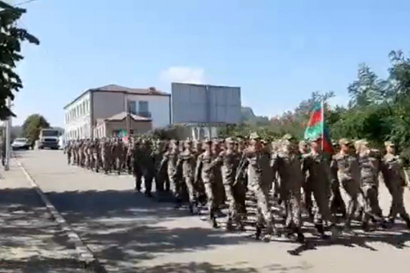 Bakının erməni-bolşevik işğalından azad edilməsinin ildönümü ilə bağlı Şuşada hərbi yürüş olub -  VİDEO