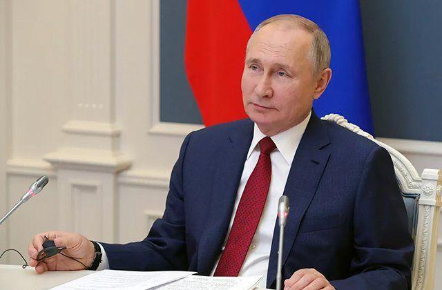 """Putin: """"Rusiyanın siyasi sistemi cəmiyyətin istəklərinə cavab verir"""""""