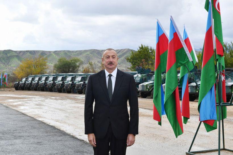 Dövlət başçısı və birinci xanım Qubadlıda DSX-nın yeni hərbi hissə kompleksinin açılışında iştirak ediblər